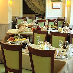На какие особенности стоит обращать внимание при выборе оформления для ресторанов