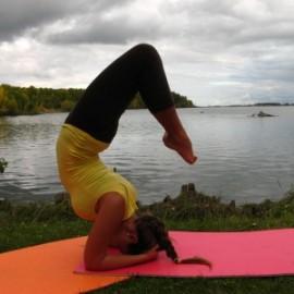 Бизнес идея: зарабатываем на йоге